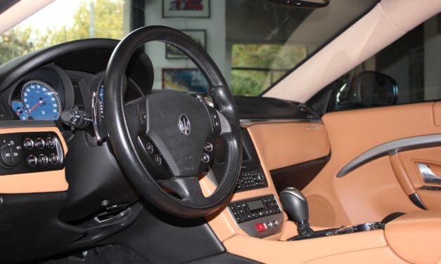 Sposoby na czyszczenie kokpitu w samochodzie